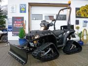 Ausgerüstet für den Pistendienst: Überrollbügel mit Warnleuchte & Schneeschild
