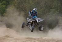 Yamaha Präsentation YFZ 450: steht mit ihren vier Rädern fest in der Luft