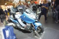 BMW Maxi-Scooter C 600 Sport:  soll die Fahreigenschaften eines Motorrads mit der Agilität und dem Komfort eines Rollers vereinen