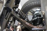 Fahrwerk: Breitreifen und H&R-Stoßdämfer, 16 cm tiefer als das Original