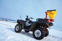 DerATVShop.de: Streugerät KS 40 WD von APV mit eigens konstruierter Kugelkopf-Halterung für Schnellwechsel-System