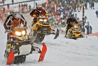 Snow SpeedHill Race in Eberschwang 2012: Snowmobile mit bis zu 100 km/h unterwegs