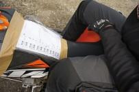Einfach unpraktisch: 'Roadbook-Halter' für Sportquads