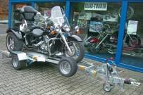JSS Automotive: bietet seine Transportanhänger für Trikes nun auch optimiert für Moto-Trikes und die Can-Am Spyder
