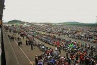 Anlassen am Nürburgring 2014 am 13. April: 10.000 Bikes, 200 ATVs und Quads