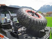 Quadconnection Paket, Zubehör für die RZR 1000: Reserveradhalter, Reserverad mit Beadlock-Felge