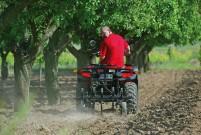 Besteuerung von Zugmaschinen: Ebenso wie bei Traktoren wird seit 2012 auch bei ATVs und Quads, die als LoFs zugelassen sind, das Fahrzeuggewicht zugrunde gelegt