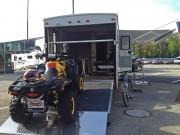 Amerikanische Wohnwagen mit Garage: mobiles Luxus-Appartement mit angemessenem Stauraum für zwei Quads oder ATVs