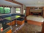 Amerikanische Wohnwagen mit Garage: stilvolles Ambiente für das Programm nach dem Sandmännchen