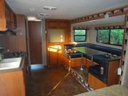 Amerikanische Wohnwagen mit Garage: luxuriöses Wohnen