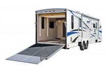 Amerikanische Wohnwagen mit Garage: komfortable Wohn-Anhänger mit Platz für zwei Quads oder ATVs