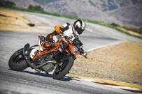 Baut E.-ATV einen Streetfighter auf Basis der KTM SuperDuke 1290? In der Tat böte das Ready-to-Race-Bike das Material, aus dem die Träume der E.-ATV-Piloten sind