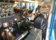 Einweihung beim Quadcenter Zollernalb: im neuen Ladenlokal in Bisingen stehen dem großen Quadhändler auf der Schwäbischen Alb 300 m2 mehr für die Präsentation seiner ATVs, Quads, Side-by-Sides und Can-Am Spyder zur Verfügung