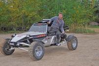 NESS Buggy X-treme: Korosseriemeister Mirco Busch in seinem Sportgerät